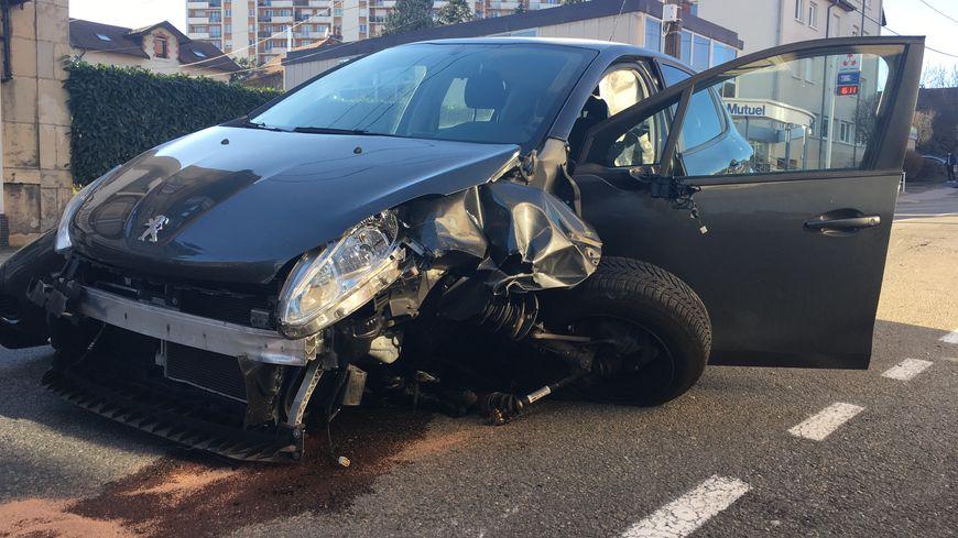 Vendre une voiture accidentée pour les pièces